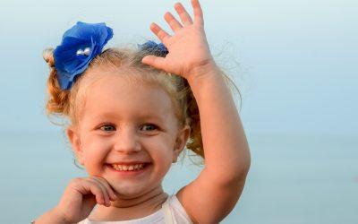Winke dem Nachbarn-Tag – Lass' Deine Hände sprechen!