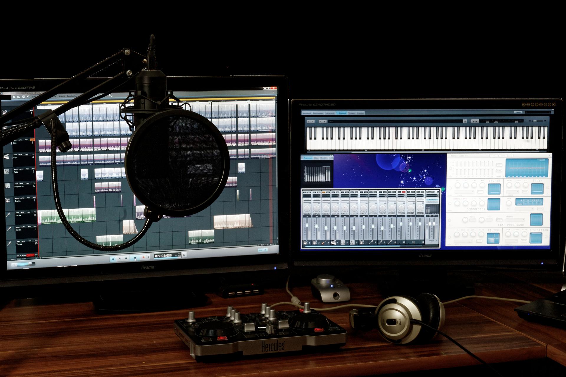 Notebook Studio